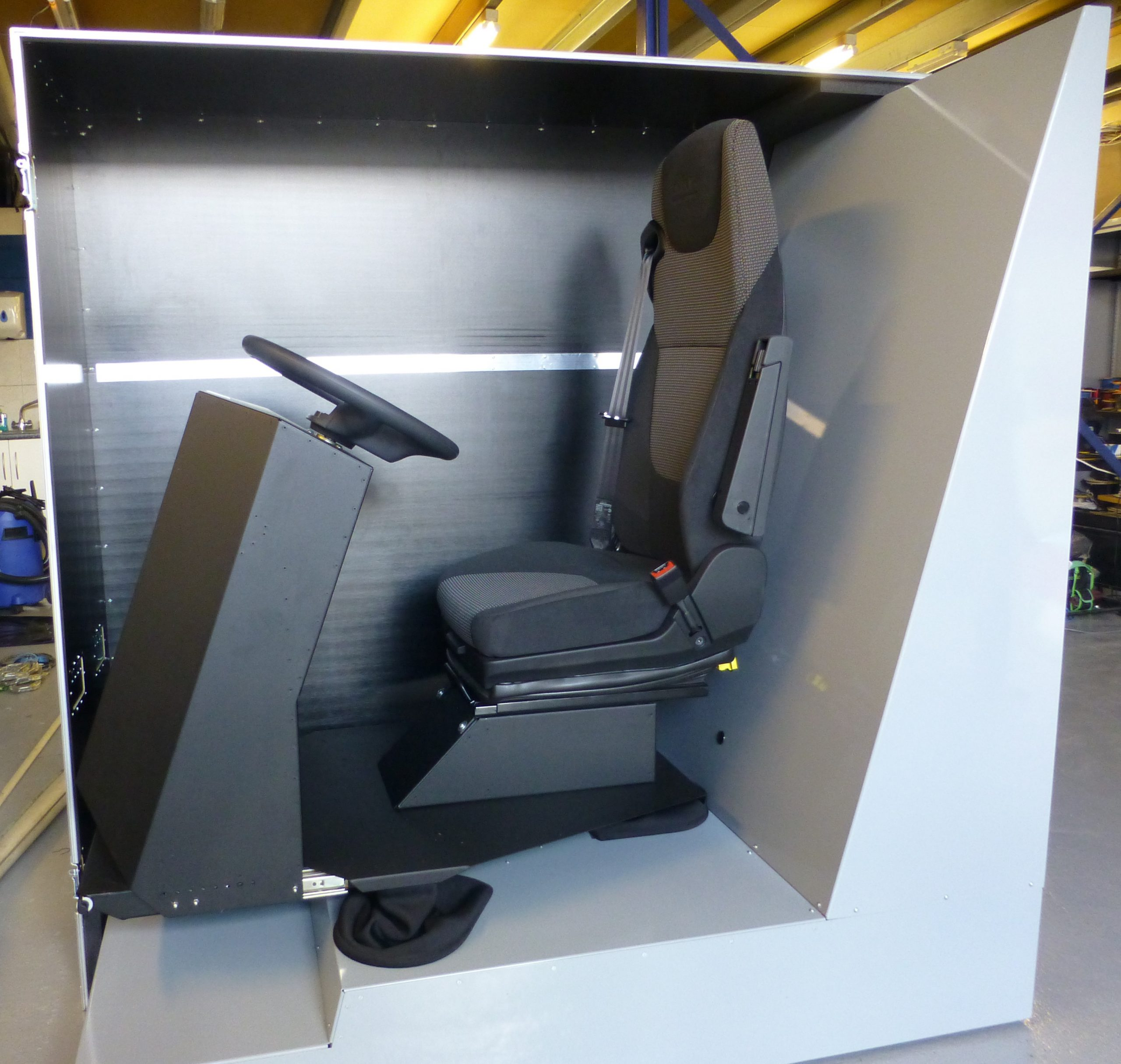 Motion Simulator and carry case